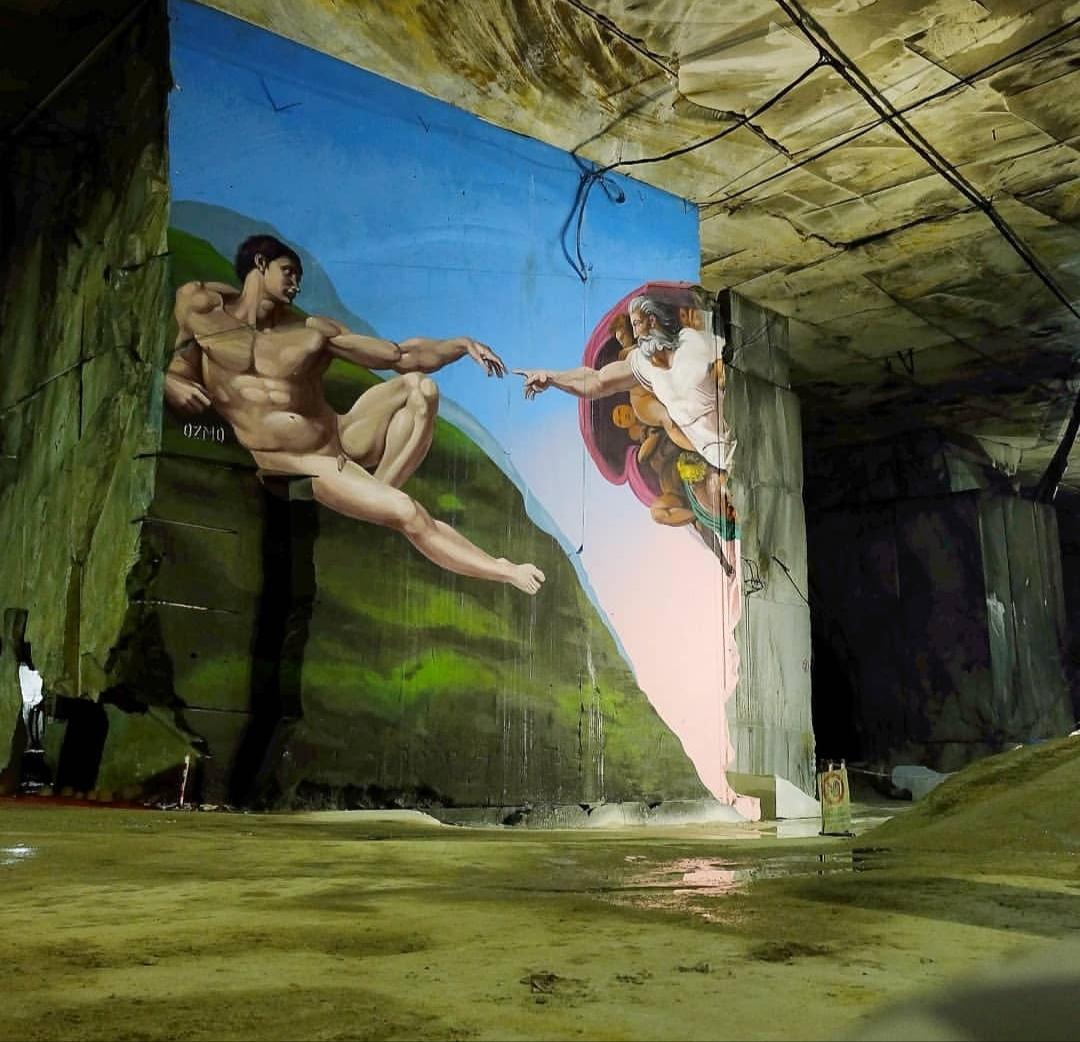 Dentro lo spettacolo del marmo, Carrara whitedowntown