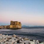 Dormire nelle vie antiche di Napoli ti scalda il cuore
